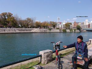 Hiroshima: l'uomo della pace amico dei passerotti